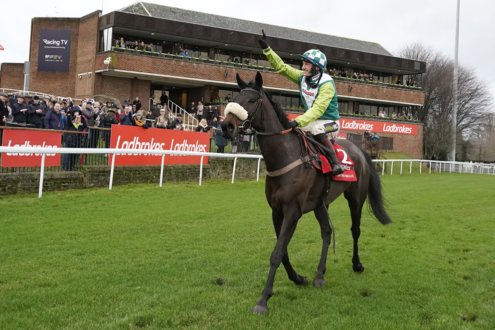 Dual King George VI Chase winner Clan Des Obeaux will bid for a third win on Boxing Day.