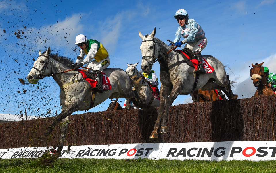 Vintage Clouds was an emphatic winner of the Peter Marsh Handicap Chase at Haydock on Saturday.